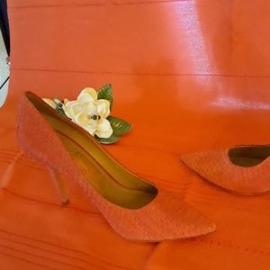 S Ferragamo coral snakeskin suede heels sz 7